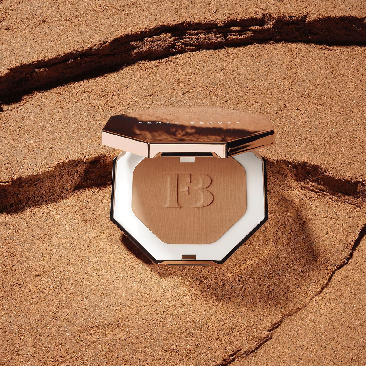 Picture of Fenty Beauty Bronzer